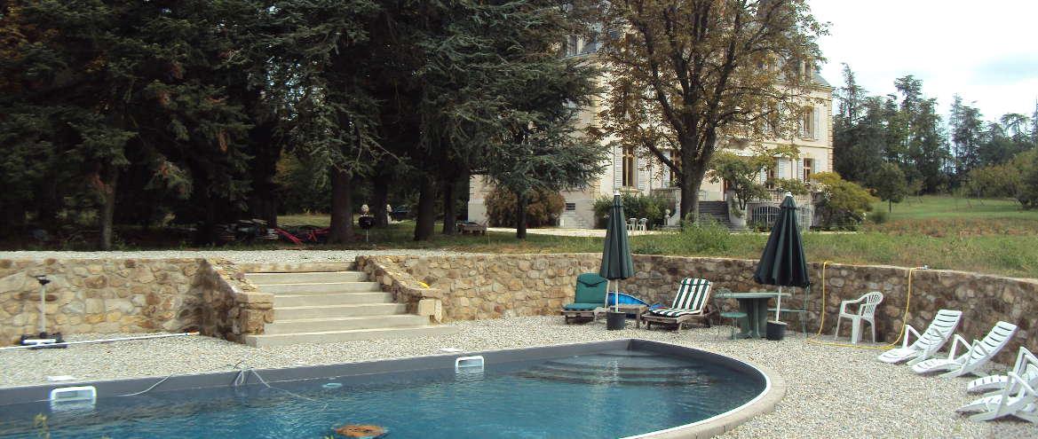 annonay 07 cr ation d 39 une piscine dans un parc paysager. Black Bedroom Furniture Sets. Home Design Ideas
