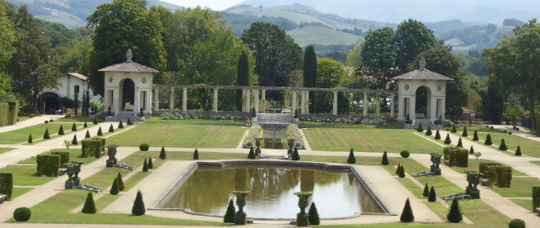 Le jardin régulier de la Villa Arnaga, Combo-les-Bains (64-Pays Basque)
